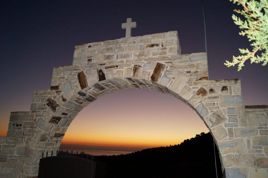 Μονή Αγίου Νικολάου στα Σκούρβουλα (φώτο) - Άποψη του Νότου